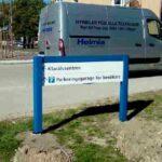 Skyltbåge med ljus som hänvisar till det nya parkeringen som finns vid centralsjukhuset Karlstad